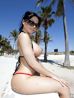 We brought in Rebeca Linares to show off her tight butt and pleasing melons for u all