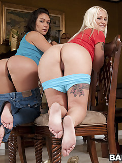 What's better than a white gal with an onion booty? Come watch Roxy Love and Torrie work that chubby ass.