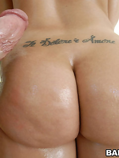 Admirable large booty of Kelly Divine. This angel is totally out of this world with large tits, tight booty and a great personality