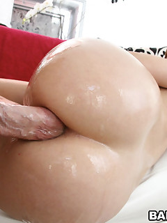 The always hot Jada Stevens has an butt that's without this world. Literally! This hottie has natural tits, a tight twat and an onion fat butt that's completely flawless. In this steamy episode, you're