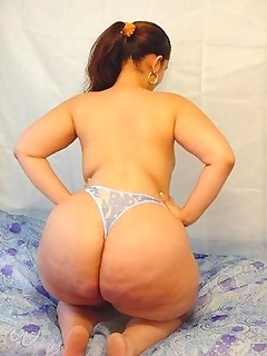 Large booty girls. Many..