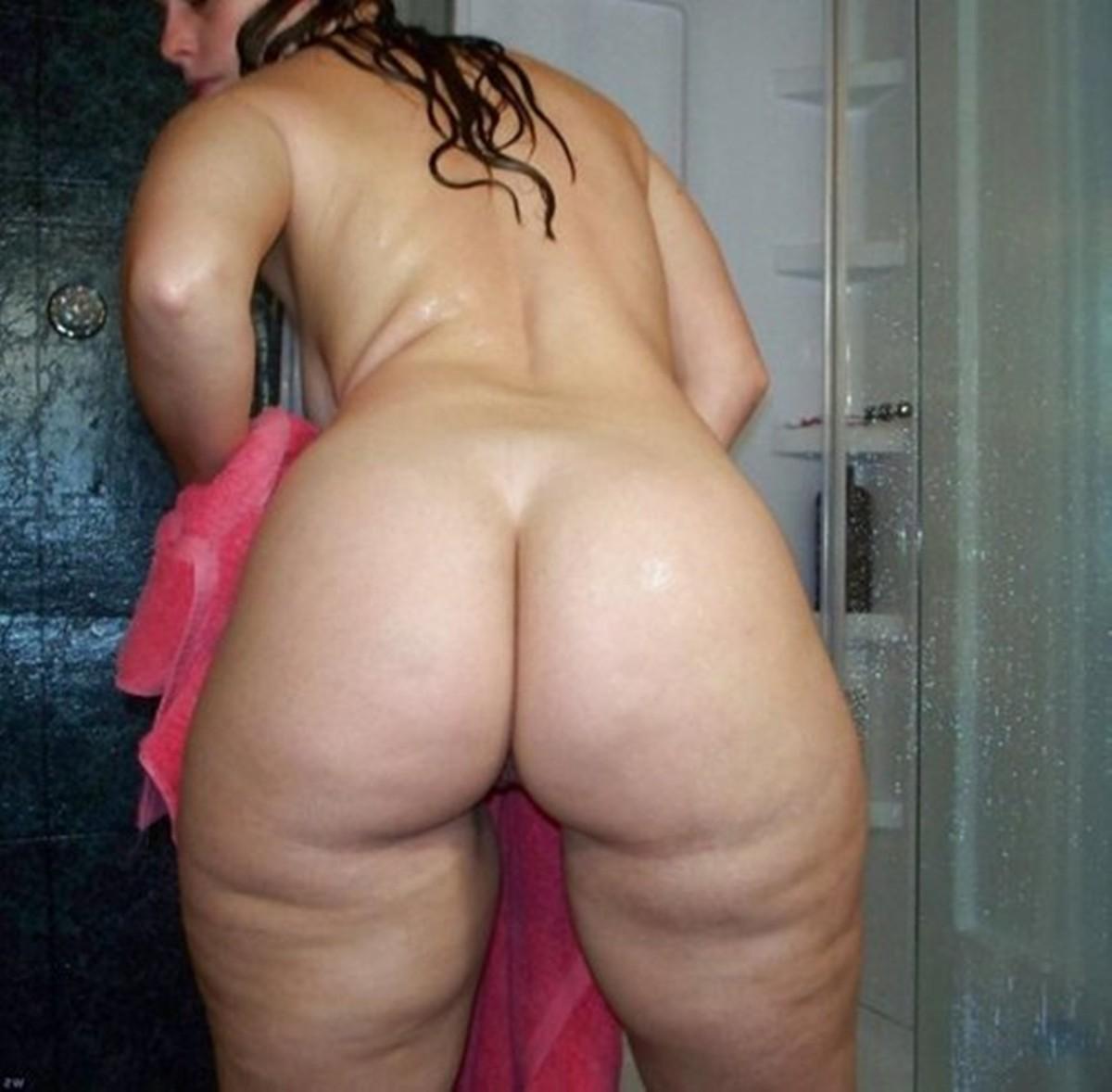 Домашнее порно молодоженов из россии заставляет мужчину