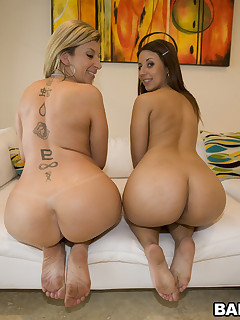 2 bubble big bums