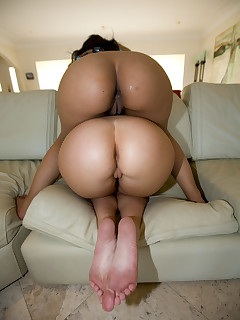 Hot Big Rumps