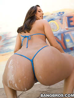 There names are Gracie Glam..